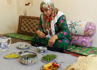جشنواره استانی سفره بنفش در بیرجند برگزار می گردد