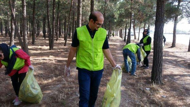 کاجستان بیستون از زباله پاکسازی شد
