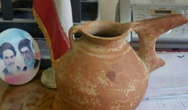 کشف خمره سفالی متعلق به قرون اولیه اسلامی در کردکوی