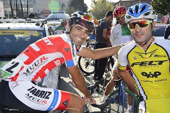 رکابزنان تیم دوچرخه سواری منحل شده همچنان به دنبال پول