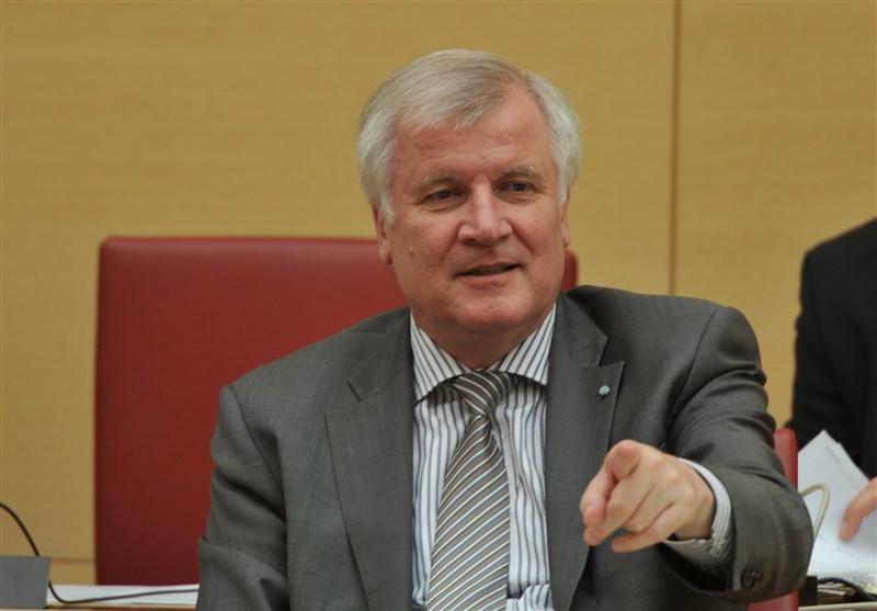 وزیر کشور آلمان خداحافظی خود از دنیای سیاست را گفت