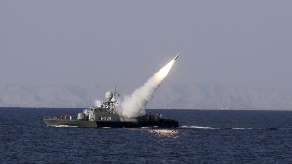 موشک قادر دست بلند نیرو های مسلح ایران در خلیج فارس