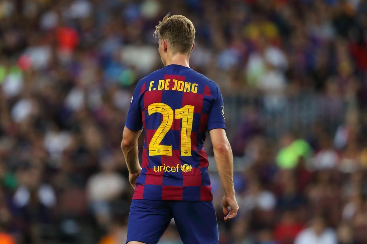 پیروزی پر گل بارسلونا با نمایش خیره کننده دی یونگ و فاتی