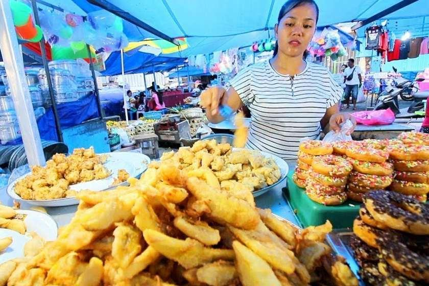 10 غذای خیابانی محلی که می توانید در بالی امتحان کنید