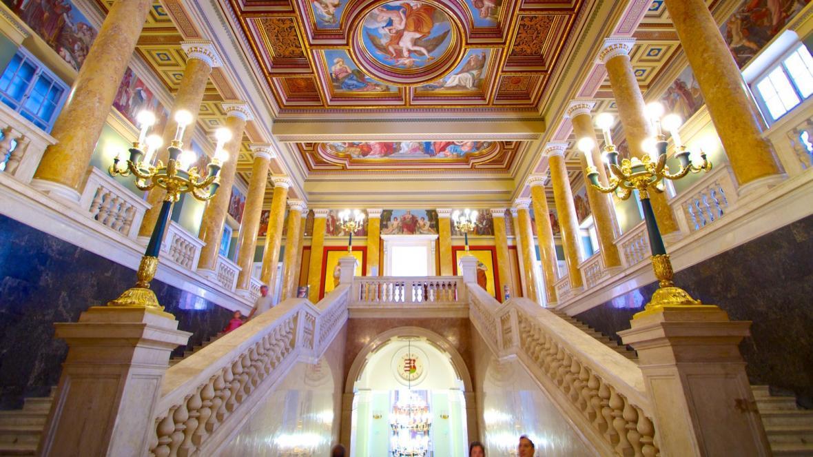 معرفی موزه ملی مجارستان در بوداپست