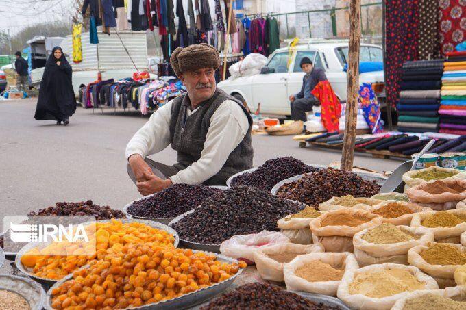 خبرنگاران بازار هفتگی صومعه سرا تعطیل شد
