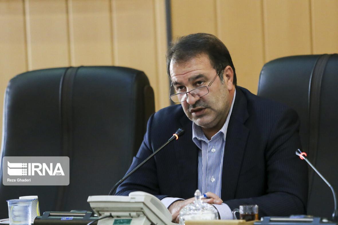 خبرنگاران استاندار: تمام ورودی های فارس و شهر شیراز برای پیشگیری از کرونا کنترل گردد