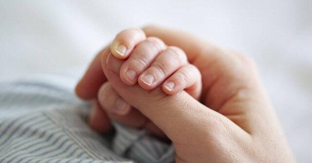 مادر کرونایی نوزاد سالم به دنیا آورد، پادتن کرونا در بدن نوزاد سرنخی برای تولید واکسن