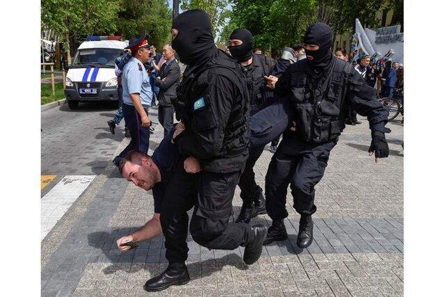 بازداشت ده ها معترض ضددولتی در قزاقستان