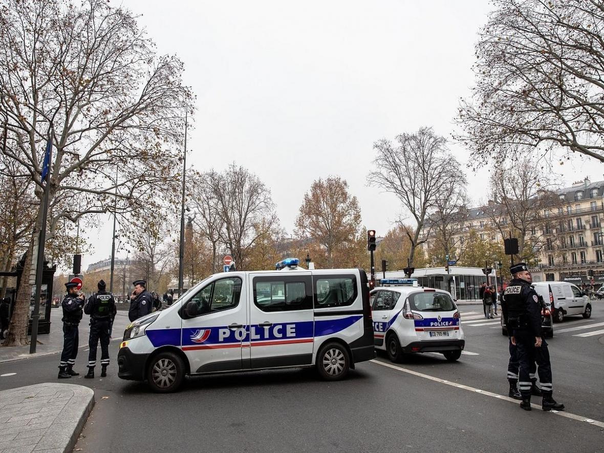 خبرنگاران فرانسه 231 تبعه خارجی را اخراج می نماید