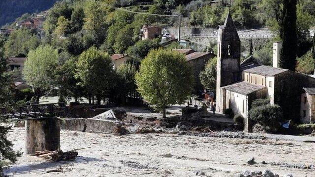 در پی سیل و رانش زمین در ایتالیا 3 نفر کشته و 2 نفر مفقود شدند