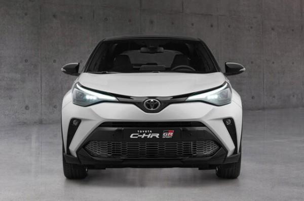با خودروی محبوب تویوتا C-HR آشنا شوید