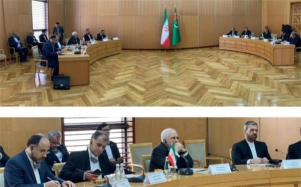 گفت وگوی ظریف با مقامات ترکمنستان درباره همکاری های چندجانبه