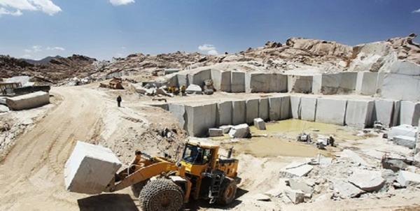 اعتراض کارگران در پی تعطیلی واحدهای سنگ کوبی نی ریز فارس