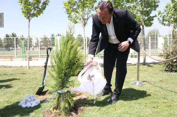 علامت سوال به جامانده در سالگرد حضور توریست بلژیکی در ایران