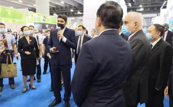 تاکید سفیر ایران در چین بر حمایت دستگاه دیپلماسی از فعالان اقتصادی
